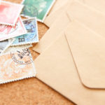 切手の正しい貼り方は?複数貼る場合に決まりはある?