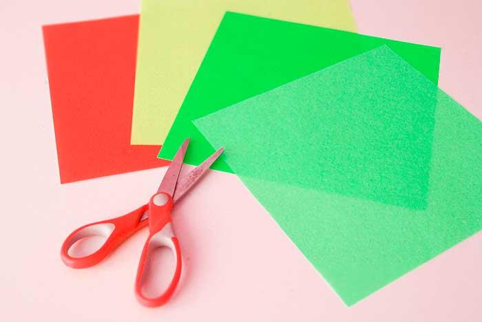 折り紙で作るクリスマスリース飾り