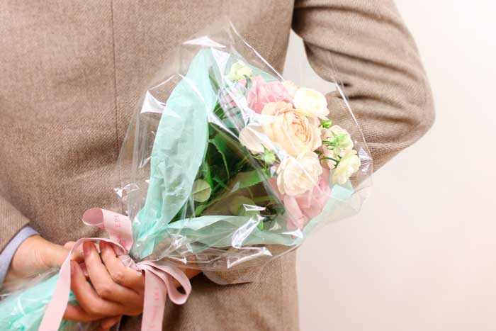 女性へ花のプレゼント