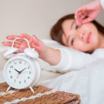 朝、目覚ましが聞こえなくて寝坊してしまうあなたに!効く対策法6つ!