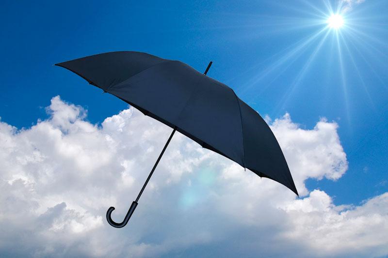 【日傘男子】男が日傘をさすのってダサいかな?環境省は推奨中!
